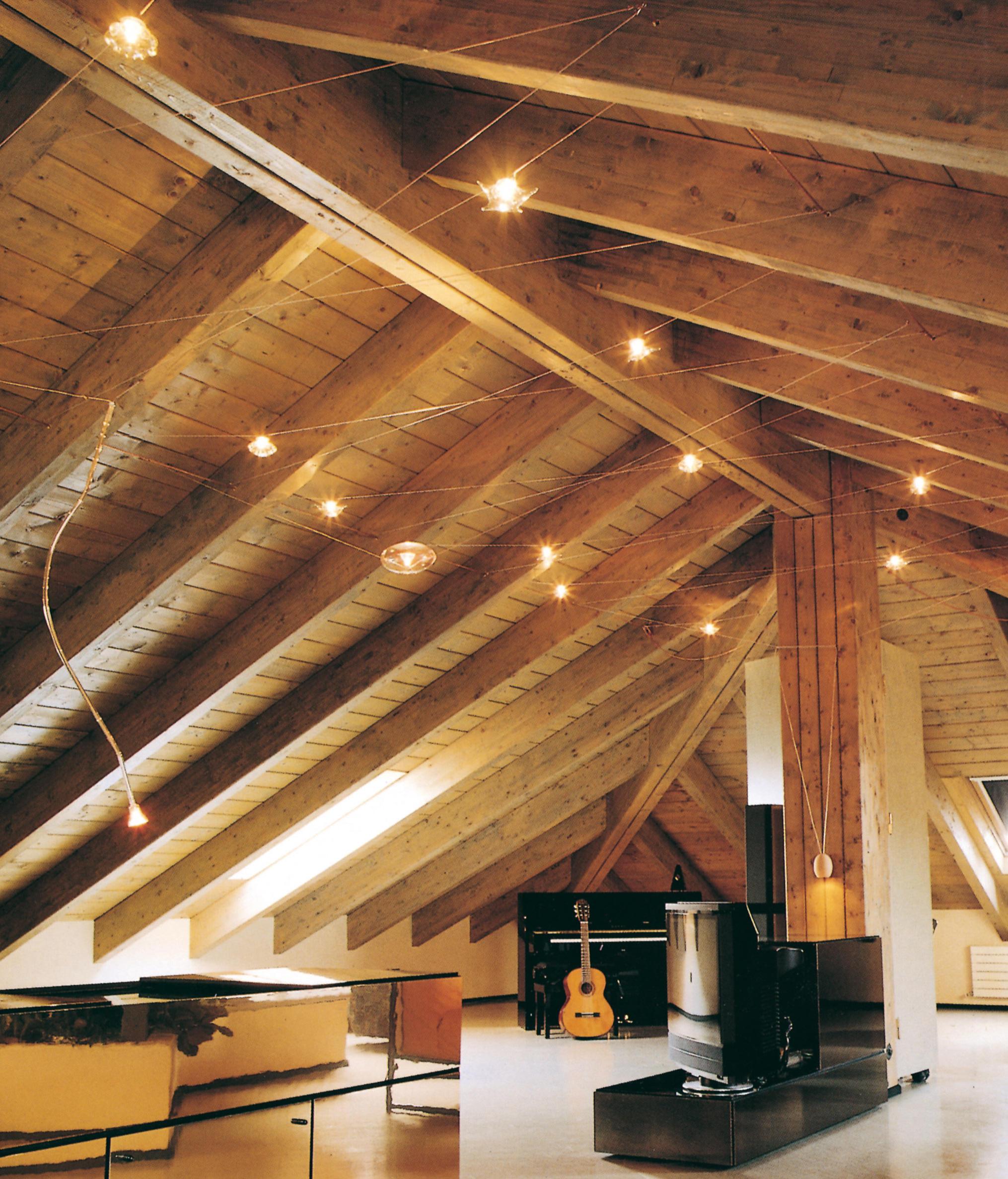Illuminazione a led per soffitti in legno for Luce a led per casa